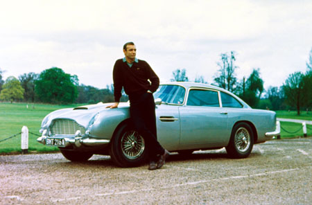 james-bond-007-sean-connery-aston-martin-db5